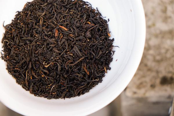 лучший черный чай ассам iherb