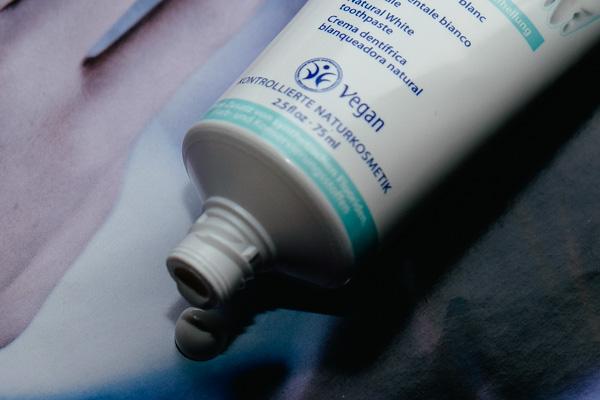 минеральная зубная паста Logodent