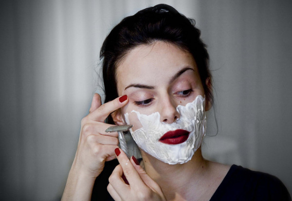 women shave face dermaplaning