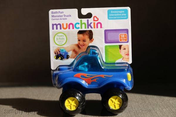 игрушки munchkin для ванны трактор